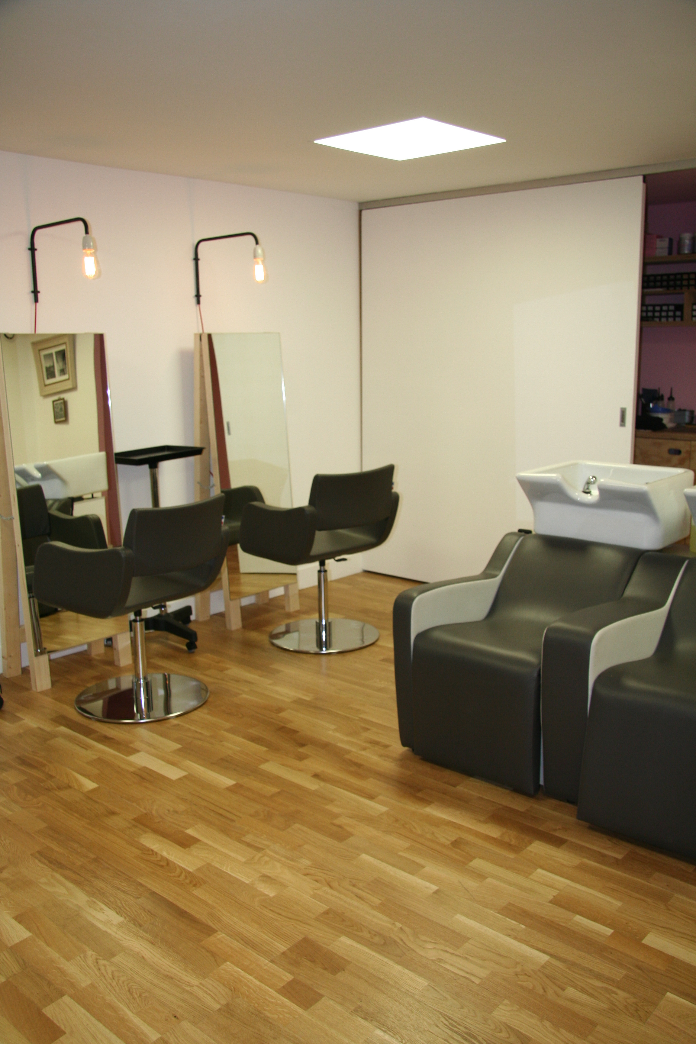 Salon de coiffure cut marseille coiffures modernes et for Salon de the marseille