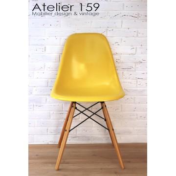 atelier 159 mobilier vintage chaise fauteuil luminaires sur marseille 13006 d coration tendances. Black Bedroom Furniture Sets. Home Design Ideas